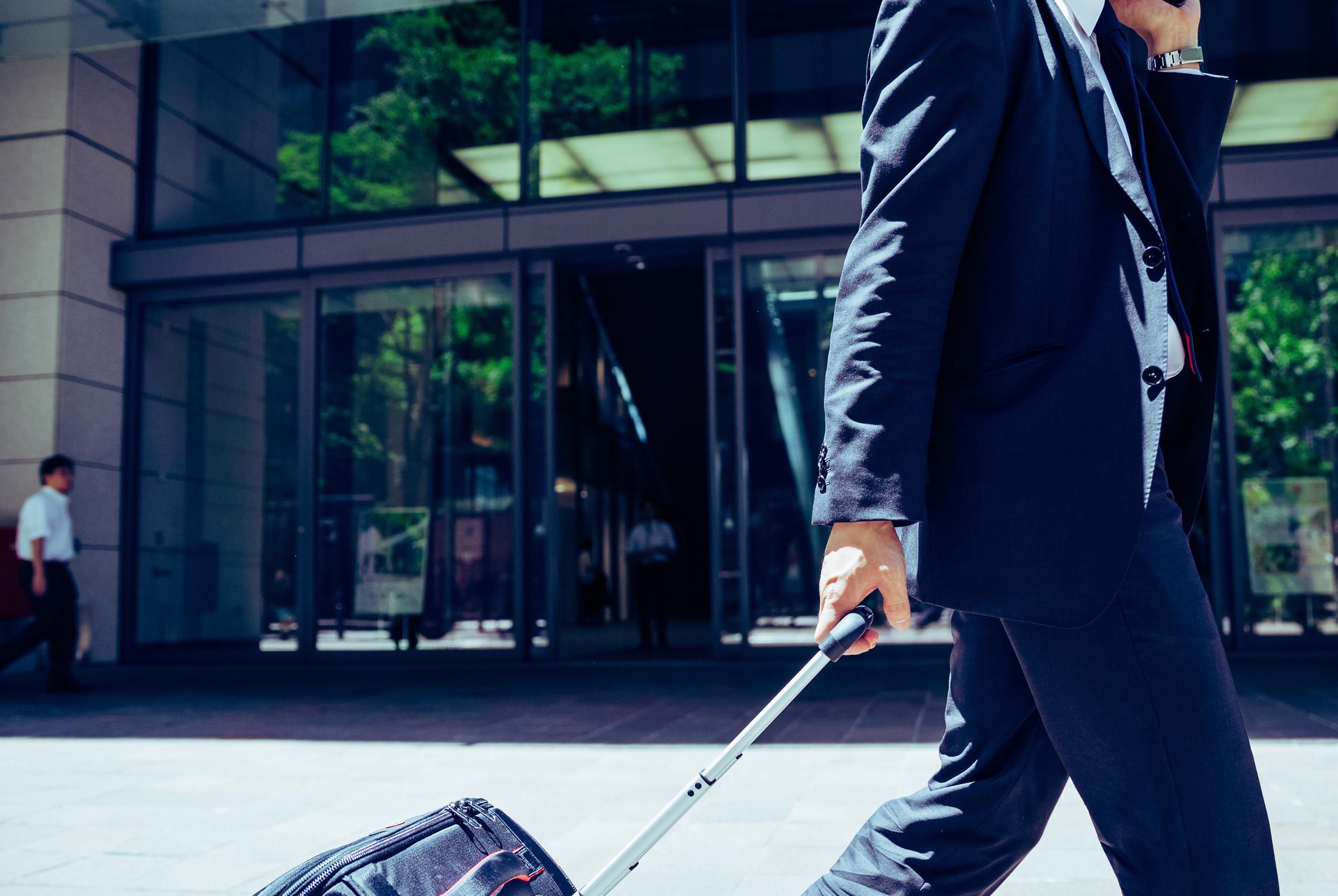 長期出張の必要な持ち物と転勤の違いとは?ストレス発散方法まで完全ガイド